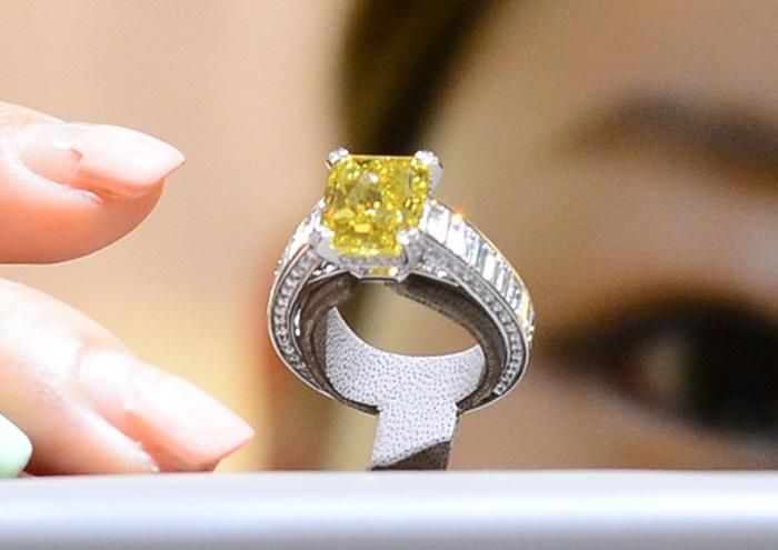 국내 백화점서 공개한 '8억원' 다이아몬드 반지