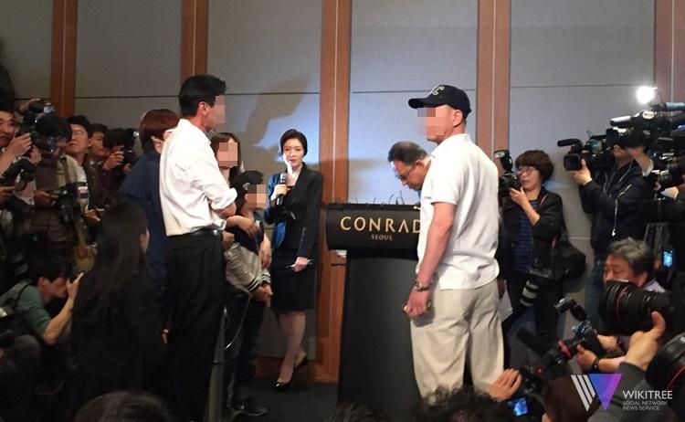 옥시 기자회견, 피해자 항의로 아수라장...한때 중단 소동
