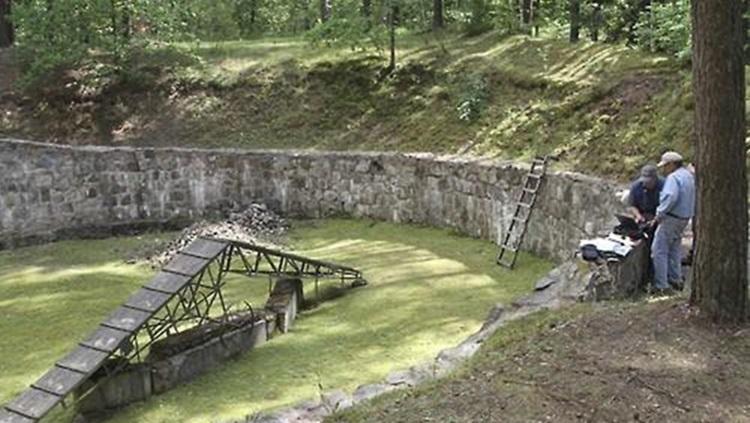 '나치'로부터 탈출 위해 숟가락으로 파낸 터널 발견