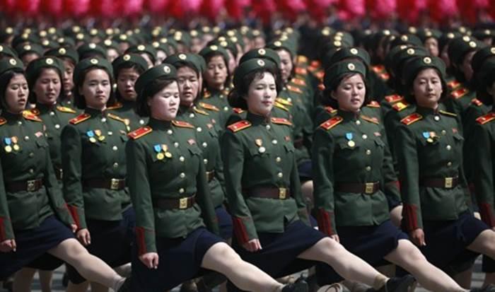 """""""힘들어 생리도 안해"""" 외신들 북한군 인권실태 조명"""