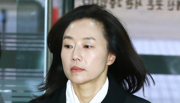 '블랙리스트 사건' 공판 받으러 나온 조윤선 전 장관(사진)