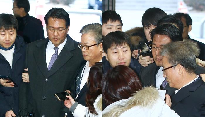 '묵묵부답' 영장실질심사 받으러 가는 김태효 전 비서관(사진)