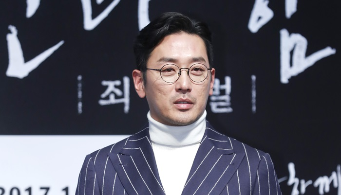 """하정우 """"영화 '신과 함께', 웹툰 팬들은 실망할 수도"""""""