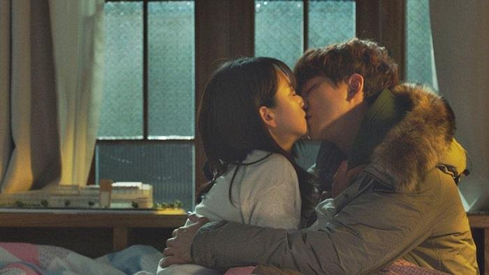 """""""감기 가져감♥"""" 침대서 달달 키스하는 이준호♥원진아 영상"""