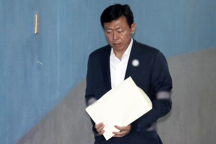 신동빈 회장 부재에 경영환경 '시계제로' 롯데…'아시아 톱10' 불투명